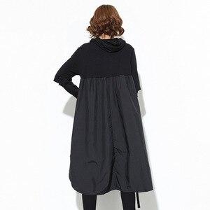 Image 5 - [EAM] 2020 nueva Sudadera con capucha de Primavera de manga larga con cordón negro Fold Split Joint Loose Long Dress Women Fashion Tide JD07601