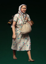 [tuskmodel] 1 35 scale resin model figures kit WW2 Russian refugees lady1(China)