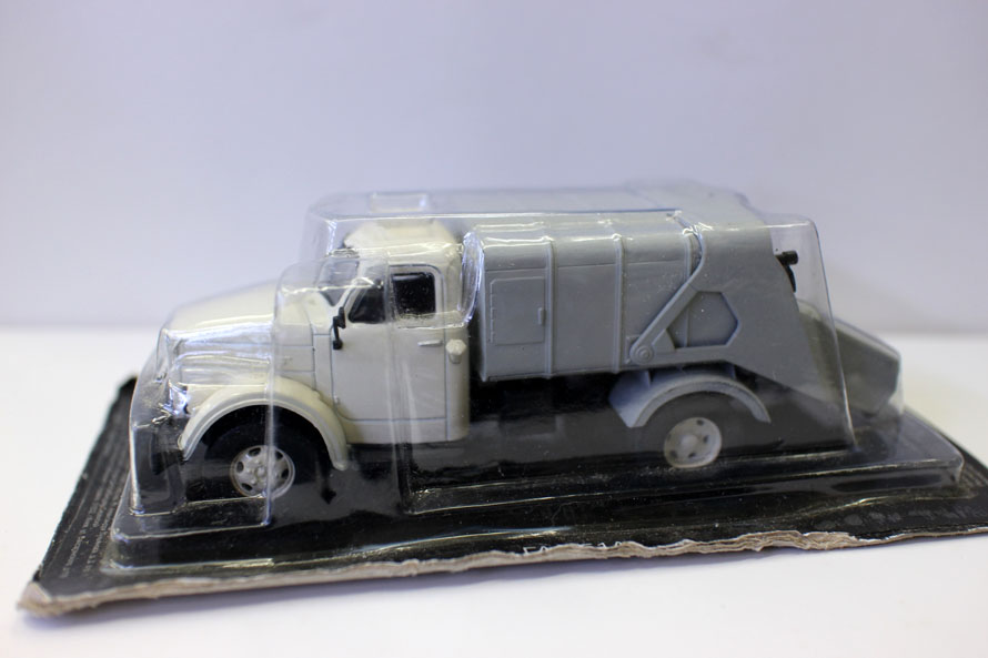 Special Offer  Rare  1:43  Russia  Former Soviet Union  Z-51A Garbage Truck  Alloy Collection Model