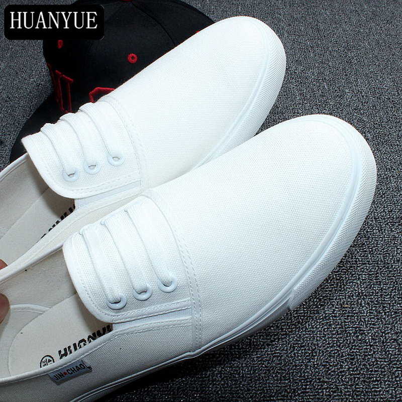 New 2018 Fashion Spring Men's Flats Solid White Black Canvas Shoes Breathable Me