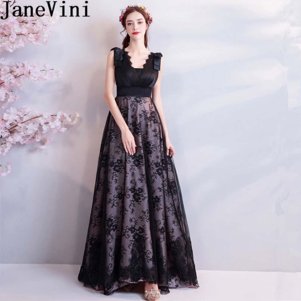 JaneVini 2018 Vintage Black Lace Long   Bridesmaid     Dresses   A Line Deep V Neck Sleeveless Sweep Train Plus Size   Dresses   Prom Wear