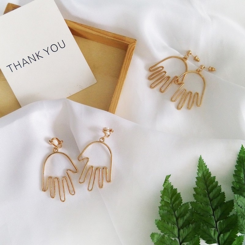 Abstract European Character Funny Geometric Gold Color Hands Small Drop Earrings Vintage Fashion Dangle In From Jewelry Accessories