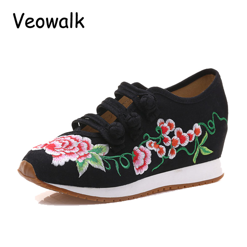 Veowalk Flower Embroidery Women Cotton Cloth Shoes Ladies Vintage Chinese Style Soft Canvas Walking Flats Platform Zapatos Mujer vintage women pumps flowers embroidered ankle buckles canvas platforms ladies soft casual old beijing shoes zapatos mujer