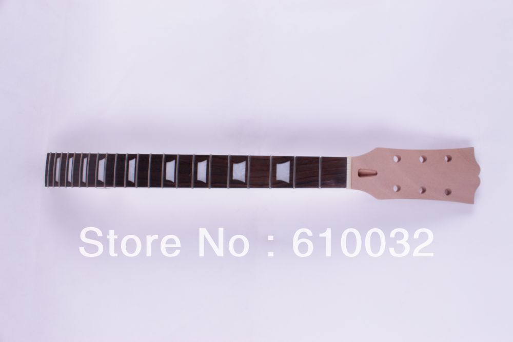 22 frets 207# One electric guitar neck mahogany wood and the fingerboard and the neck have the same length black color 24 frets holt on one electric guitar neck mahogany wood and rosewood fingerboard 171