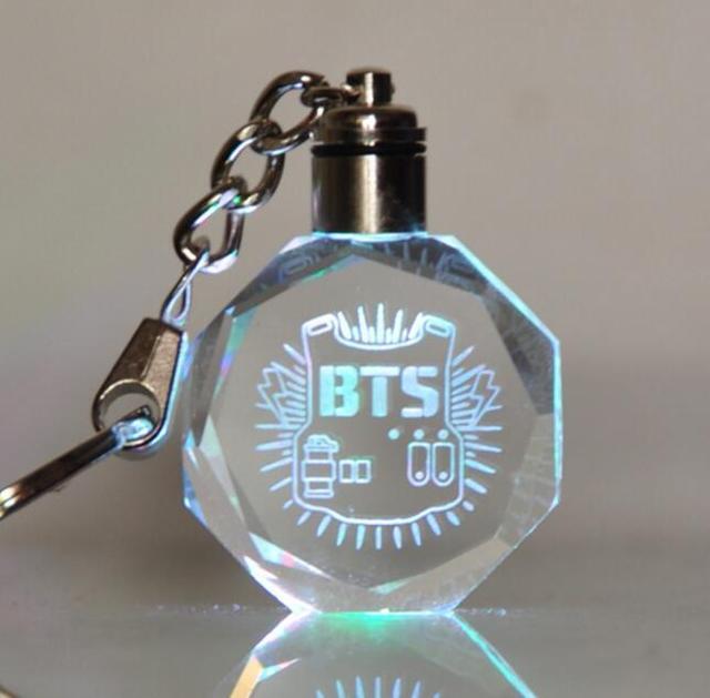 Брелок светодиодный кристалл к-поп BTS в ассортименте