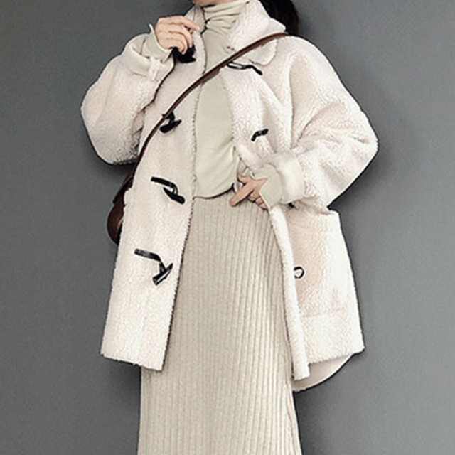 Ladies Lamb Fur Coats Casual Loose Comfortable Solid Color Turn-down Collar Long Sleeves Horn Buckle 2018 Winter New Ladies Coat