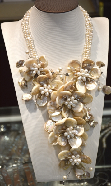 2017 Amazing Crystal Shell flower necklace Freshwater pearl crystal handmade luxury artificial crystal pearl flower necklace