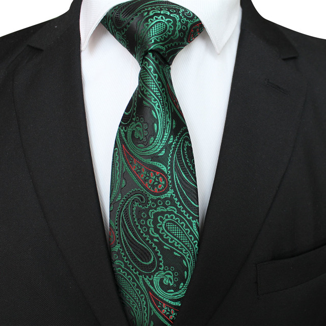 2019 year looks- How to needle a tie wear