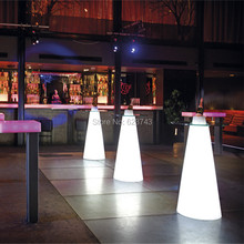 цена на H50CM Modern Plastic illuminated rechargeable remote control LED cocktail coffee linear high bar table with PEAK cone-shaped