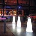 H50CM Moderna Plástico iluminado controle remoto recarregável LED cocktail café linear de alta mesa de bar com PICO cone-shaped