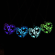 2016 Fluorescence Necklace women love heart gift Glow in the Dark Pendant necklace with 48cm chain blue green pink Jewelry