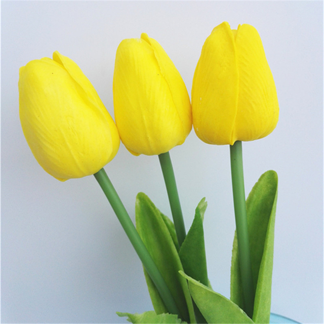 tulipe jaune artificielle
