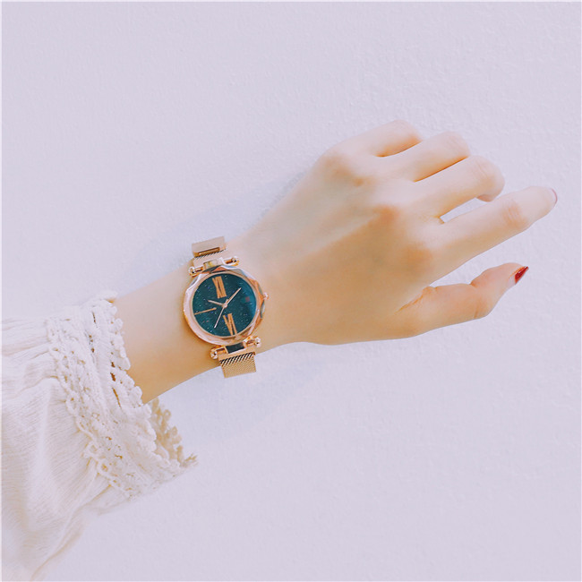 Luxury Rose Gold Women Watches Minimalism Starry sky Magnet Buckle Fashion Casual Female Wristwatch Waterproof Roman Numeral 18