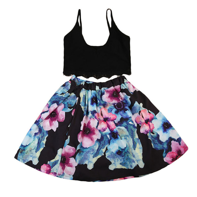 Mother and Daughter Dress Family Match Clothes Summer Sleeveless Woman Crop  Tops+Floral Skirt Kids be09d55049ea
