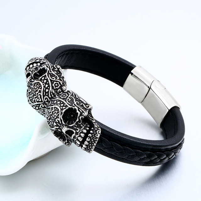 DOUBLE SKULL LEATHER BRACELET (2 VARIAN)
