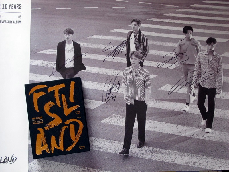 signed FTISLAND FT autographed album 10 anniversary Over 10 years CD+photobook+signed poster 072017 bigbang autographed made full 2016 3th album cd photobook random for 6 versions group 5 members gifts 01 2017