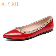 Купить с кэшбэком Women's wedding shoes 2019 spring new genuine leather women's flat shoes, plus size 41 42 fashion red rivet pointed shoes women