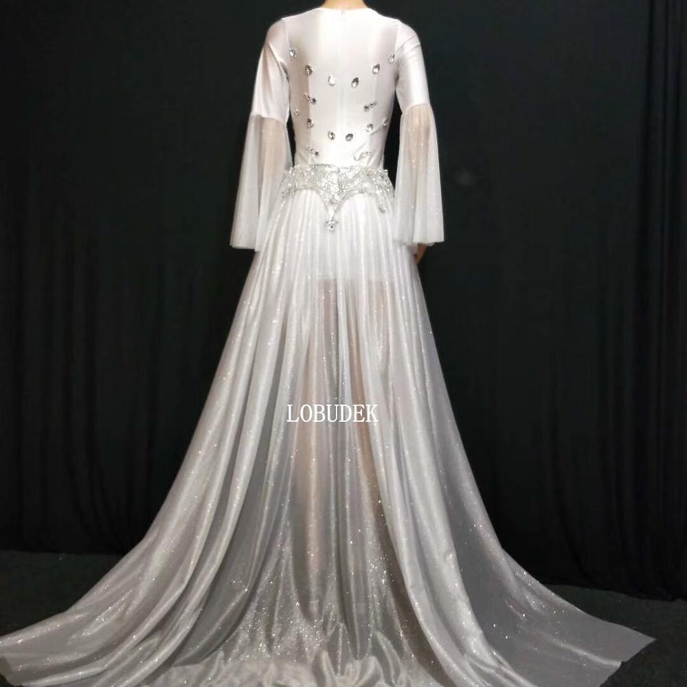 Kadın Giyim'ten Elbiseler'de Gümüş Rhinestones Parlama Kollu Kısa Elbise Beyaz Firar Moda Bayan Şarkıcı Ana Gece Kulübü Kostüm Konser Performans Elbise'da  Grup 2