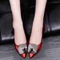 2017 Hot versão Coreana da nova primavera e no outono único sapatos boca rasa toe grosso com o salto Ms. sapatos de trabalho das mulheres sapatos
