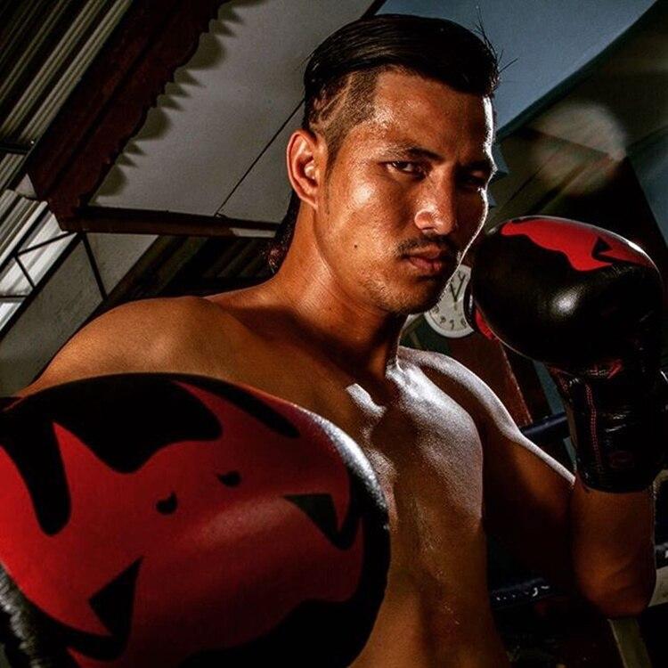 1fab15305 Compre VENUM GiantBoxing Luvas De Couro De Napa Muay Thai Luva De ...