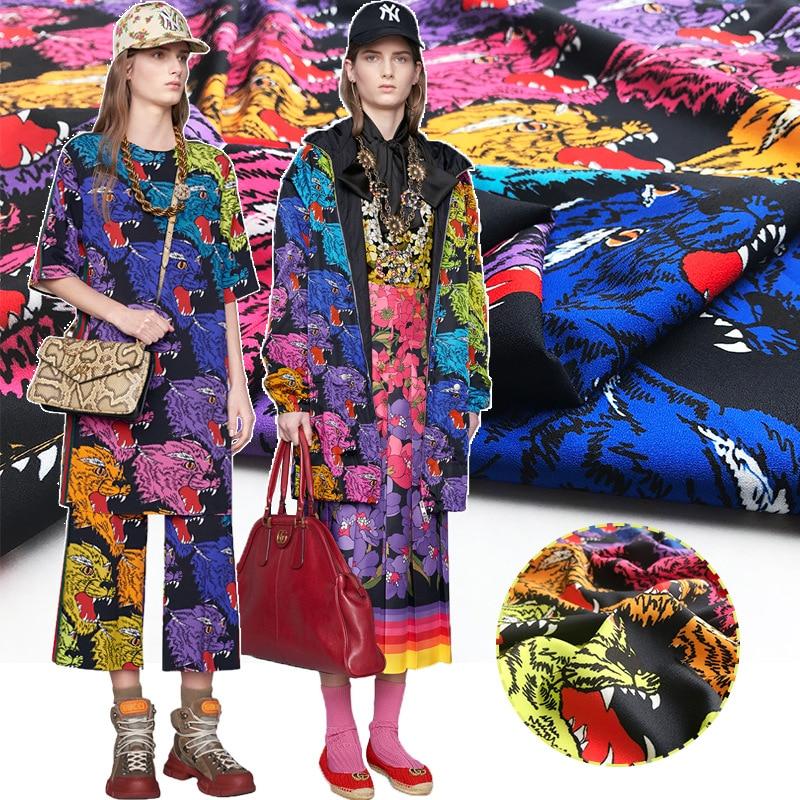 Nieuwe aangepaste kleur tijger hoofd patroon digital printing 100% polyester stof voor jurk windjack broek handgemaakte DIY kleding hot-in Stof van Huis & Tuin op  Groep 1