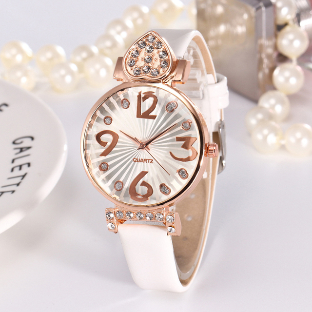 New Fashion Luxury Leather Bracelet Watch Heart Rhinestone Ladies Quartz Watch C