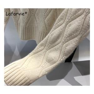Image 4 - Lafarvie dzianinowy sweter z mieszanki kaszmiru kobiet jesienno zimowy sweter z golfem Hollow sweter kobiecy wzór w romby luźny sweter