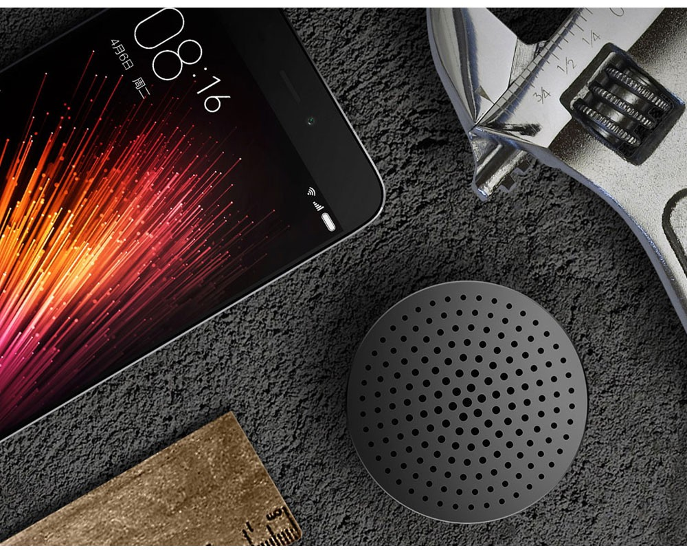 Portable Wireless Bluetooth Mini Speakers with Hands-Free Calls Support