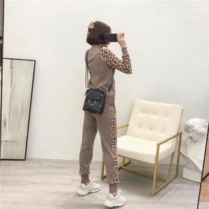Image 5 - Kobiety dresy nowy 2019 wiosna dzianiny zestawy dwuczęściowe Slim Zipper Cardigans kurtka + długie spodnie garnitury kobieta Leopard Sportsuits