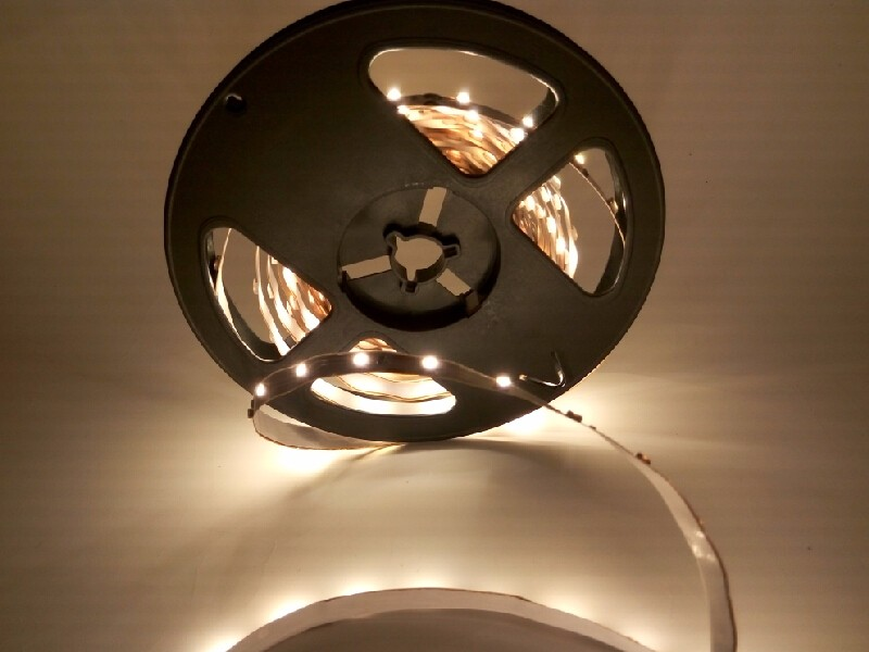 12 Volts SMD 3528 LED Bande 5 m 300 LED 60 led/m Imperméable À L'eau IP65 bandes Corde Chaud blanc Rouge Bleu Lumières Lampe 12 V Iluminacion Lumière