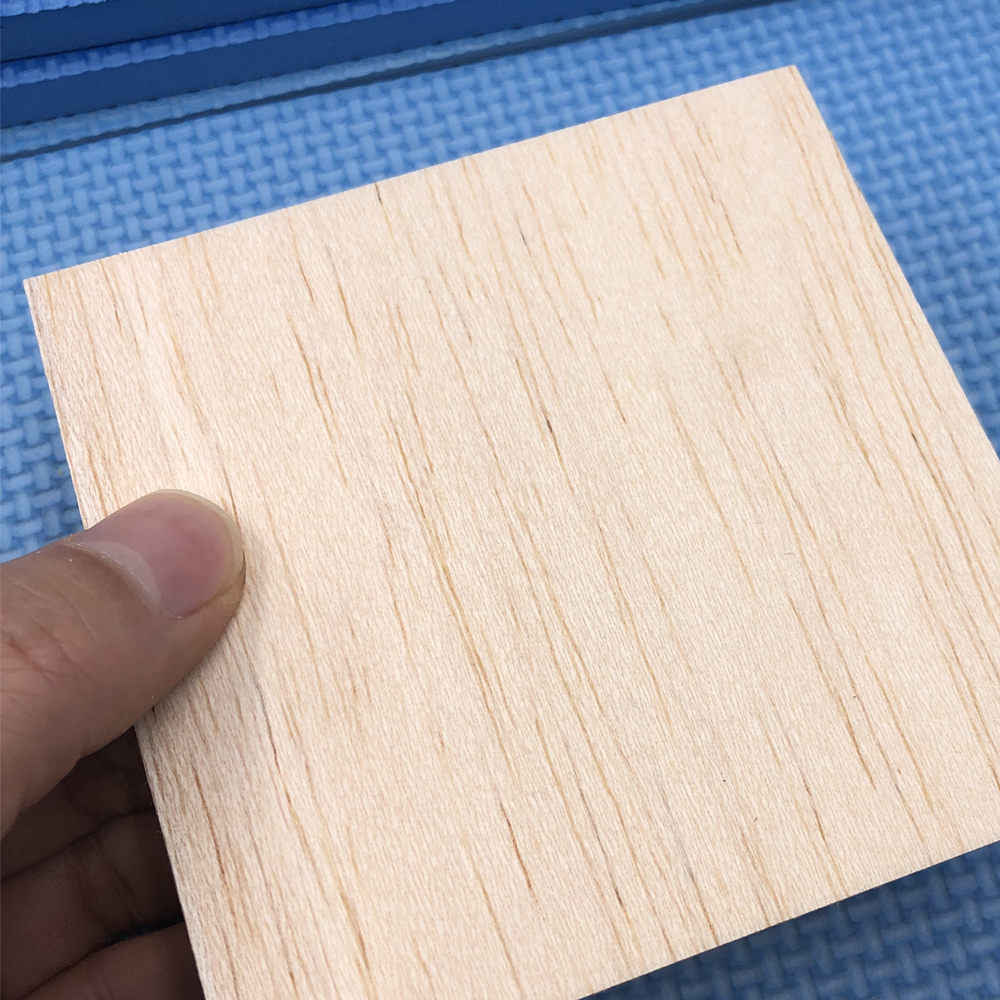 Balsa 20 feuilles 150x100x1mm modèle Balsa