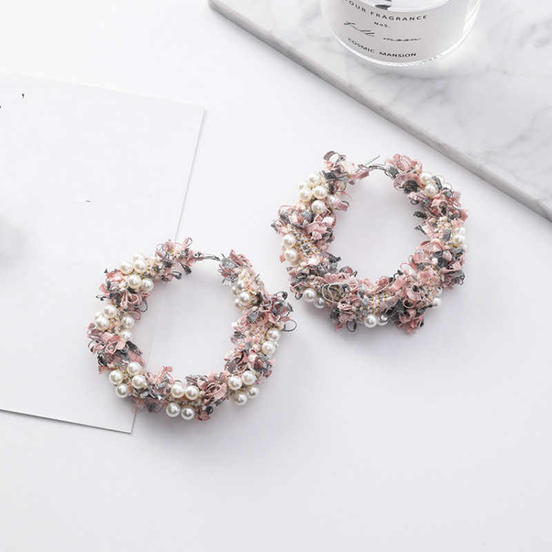 2019 New Arrival Classic Metal Round Women Hoop Korean Fashion New Exaggerated Pearl Wool Earrings Handmade Pearl Earrings