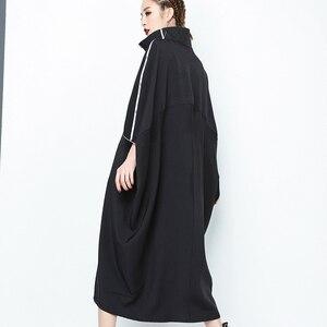 Image 2 - [EAM] 2020 חדש אביב צווארון עומד ארוך שרוול שחור מכתב רוכסן סדיר גדול גודל מוצק שמלת נשים אופנה גאות JE65001