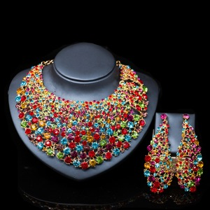 Image 2 - LAN 宮殿新ファッションブライダルネックレスマリアージュナイジェリアパーティーゴールドセットインドためのネックレスとイヤリングジュエリー送料無料