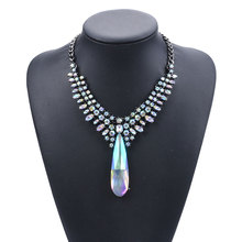 Luxury Flash Teardrop-shaped Crystal Pendant Chokers Necklaces Short Clavicle Necklace Exaggerated Female Fashion flash shaped pendant chain necklace