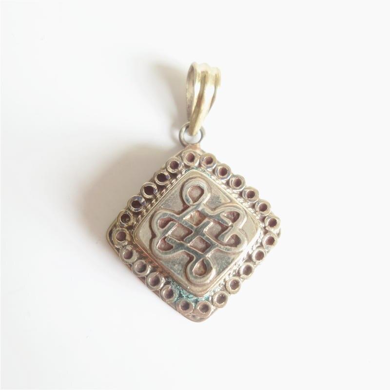TGB117 Тибетский амулет подвески белый металл медь Молитва коробка ГАУ бесконечный узел Dorje Ом калачакра Будда глаз - Окраска металла: E. Endless knot