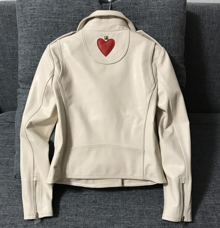 e28d278136fab Kobiety mody skórzana kurtka high street biały kożuch kurtka z Czerwonym  sercem lady slim fit kurtki motocyklowe w Kobiety mody skórzana kurtka high  street ...