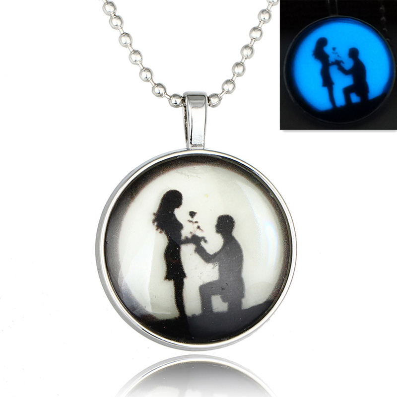 Lovers Art Picture Glass Cabochon Glow In The Dark Pendant Necklaces Valentines Day Women Glowing Jewelry Necklaces Gifts 2017
