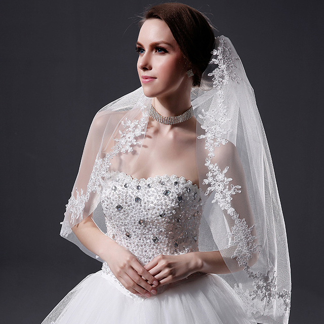 New Layer 1 White Ivory Wedding Veil Lace Appliqued Edge Fingertip Length Brial Accessories Veils with Comb