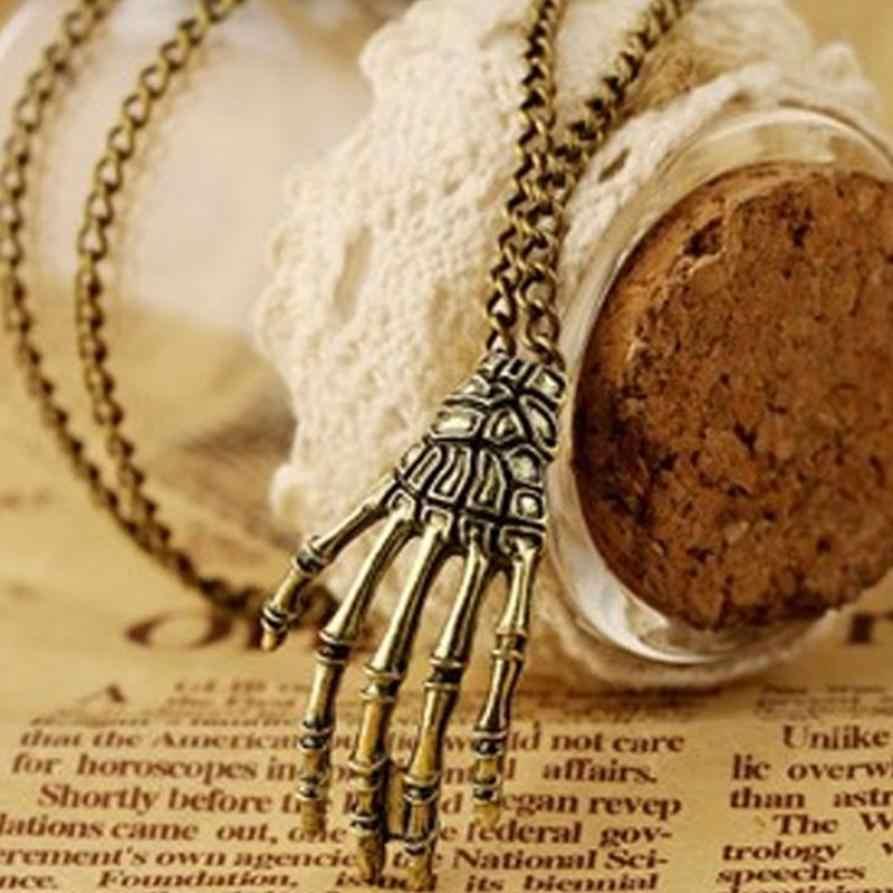 Nouveau Style femmes colliers filles Vintage Punk gothique crâne Choker main pendentif longue chaîne collier bijoux couple superbe bibelot