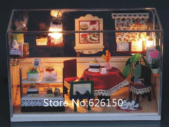Romantic DIY handmade mini house dollhouse with Glass dust cover and music for girls gift