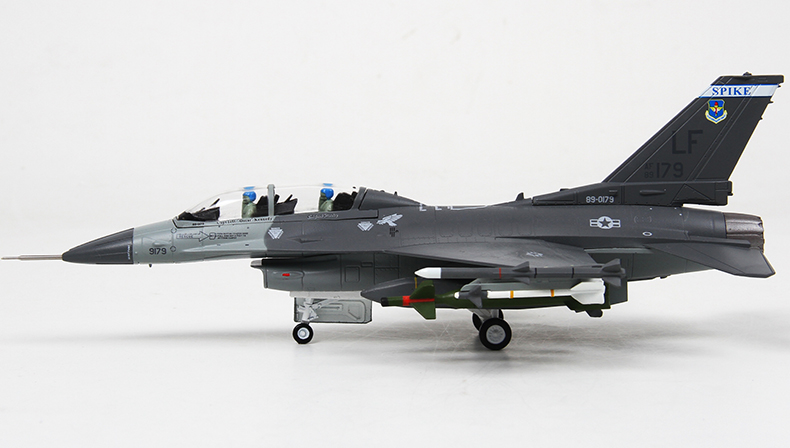 YJ 1/72 Scale Airplane Model Toys USA F-16 Fighting Falcon Fighter Diecast Metal Plane Model Toy For Gift/Collection brand new terebo 1 72 scale fighter model toys russia su 34 su34 flanker combat aircraft kids diecast metal plane model toy