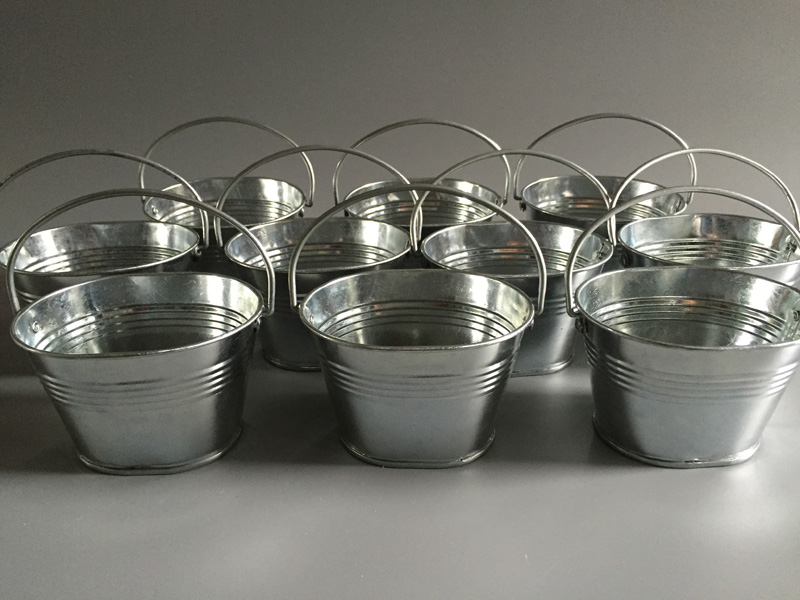 30pcslot cheap d9w7h6cm wedding candy boxes tin buckets for wedding oval sharp silvery pails