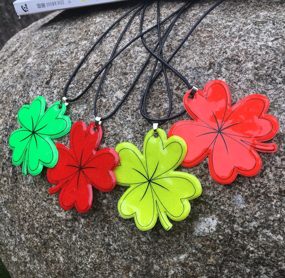 Lucky Grass Ornament  Reflective Pendant Necklace Accessories Improves Night Visibility.safe Use,free Shipping