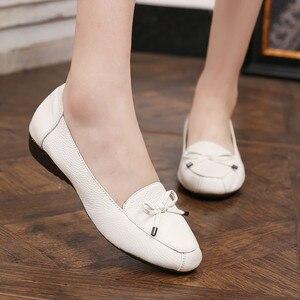 Image 3 - BEYARNE chaussures en cuir pour mères, chaussures à semelle souple, confortables, plates, grande taille 35 41 pour dames, printemps 2019