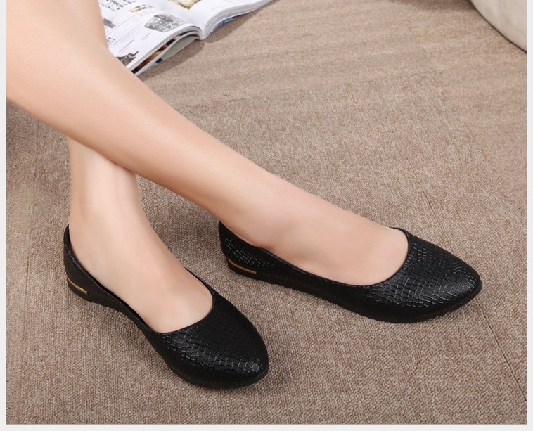 2017 Fashion Crocodile Grain Leather Women Shoes For Lady Flat Shoes & Black ,white,pink Women Flat Heel Shoes 4 Candy Colors