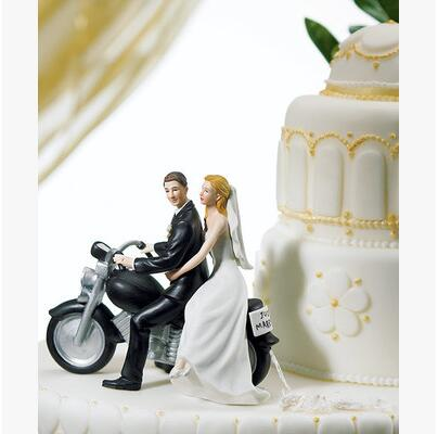Creative Romantic motorcycle Wedding Marriage Polyresin Figurine Wedding Cake Toppers Resin Decor Lover Gift