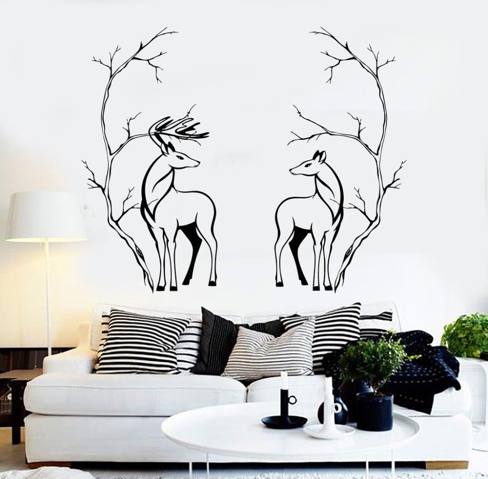 декор стены из черно-белых картинок всех потенциальных