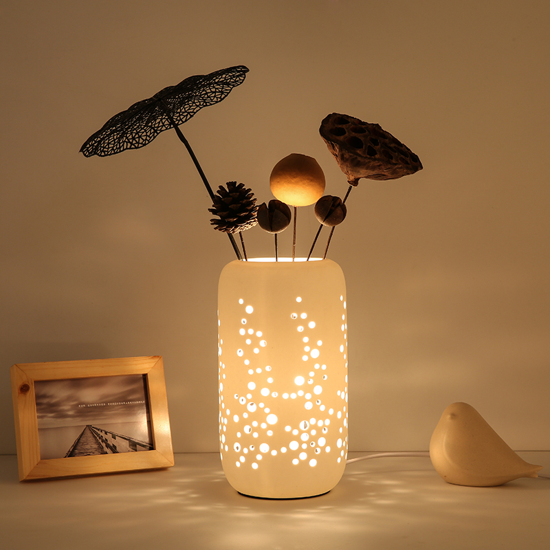 Creative Desk Lamp Fashion Ceramic Table Lamp Romantic Bedroom Flower Arranging Desk Lam ...