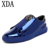 XDA 2019 Designer Version Luxury Casual Shoes Men Slip On Loafers Metal Sign sequin Men Shoes Patent Leather men board shoes